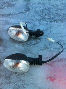 TRIUMPH DAYTONA 675 2006-08 OEM STOCK FRONT & REAR TURN SIGNALS Windsor Region Ontario image 2