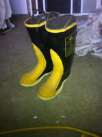 steel toe rubber fire saftey boots (moving sale)