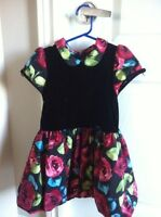 Robe chic pour petite fille 4T