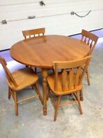 Solid Maple Table & Chairs For Sale