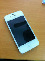 WHITE APPLE iPHONE 4S WITH CHARGER AND CASE - BELL/VIRGIN