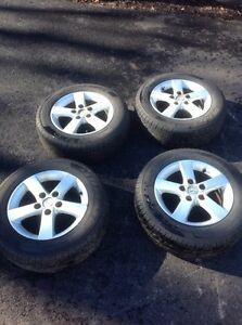 Mazda alloy rims/195/65r15 tires new