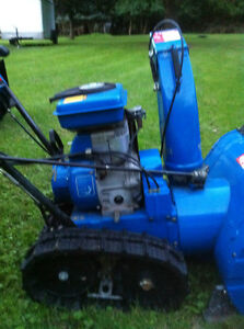 YAMAHA SNOWBLOWER THROWER YS624 WITH  STEEL TANK AND TRACKS Windsor Region Ontario image 2