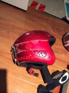 2 KIDS HELMETS WITH GOGGLES London Ontario image 4