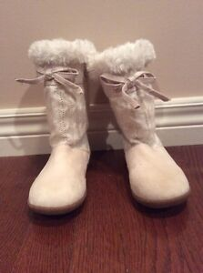 Girl boots- Old Navy size 10/11 - see all pictures