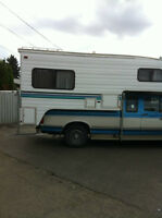 1998 Slumber Queen 10 FT 100FWS Truck Camper