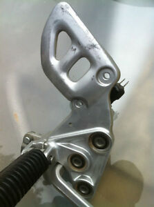 99-07 HYABUSA GSX1300R FRONT FOOT PEGS AND BRACKETS COMPLETE Windsor Region Ontario image 3