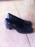 Ladies Black Leather Dress Shoes