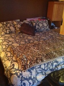 For sale king size bed