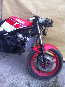 YAMAHA RZ350 86 PARTING OUT SOME PARTS WILL FIT THE 85-90 RZ350 Windsor Region Ontario image 3