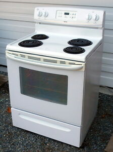 Kenmore Stove - Self Clean - 4 coil burner - Very good condition