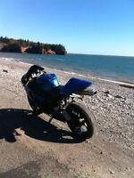 2006 Kawi ZX6R Sport Bike