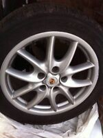 Porsche Cayenne tires 19in, mags, bolts, center colour caps