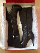 'Guess' Leather Knee High Heel Boots Black Size8 New $190. East Cannington Canning Area Preview