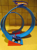 Hot Wheels - Wind Up Car with Tracks