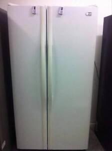 LG 608Lt Side by Side Fridge/freezer Warner Pine Rivers Area Preview
