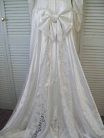 LADIES SIZE 12 WEDDING DRESS