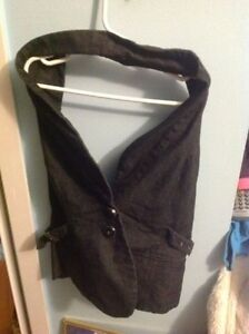 Euc le chateau halter vest/top-price drop