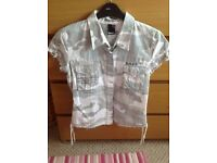 LADIES BENCH SHIRT SIZE MEDIUM
