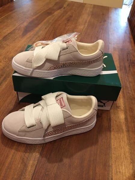 Size 2 Puma trainers  512eebb0c