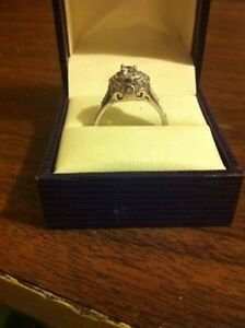 Beautiful 925 sterling silver CZ ring