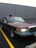 1993 Lincoln town car LOW KMS