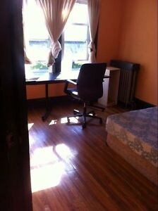 Nice rooms for rent near UWindsor - all incl.