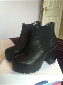 River island black ankle boots