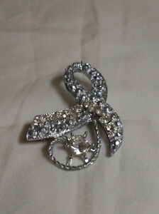 Estate Vintage Brooch - Ribbon shape with beautiful stones