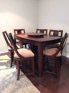 Luxurious Dining Set with 6 Chairs