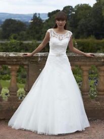 Size 10/8 Romantica Wedding Dress (Caitlyn) Ivory Lace A-Line Stunning!