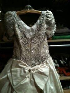Wedding Dress size 6 (Orig. price $2000) Edmonton Edmonton Area image 6