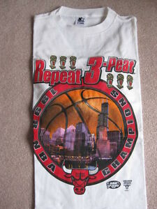 New Chicago Bulls 3-Peat T-Shirt image0