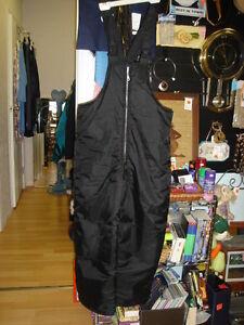 Kids size 14 ski pants Black in color {Bib style} Strathcona County Edmonton Area image 1