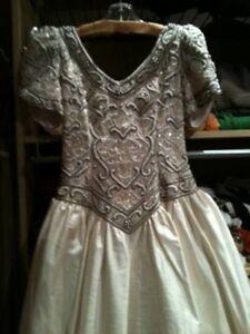 Wedding Dress size 6 (Orig. price $2000) Edmonton Edmonton Area image 1