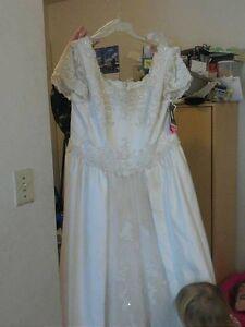 Wedding gown. New. Tags still on it Belleville Belleville Area image 1