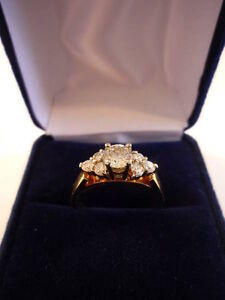 Seven 7 Stone Diamond Gold / White Gold Ring - NEVER WORN