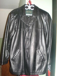 Danier Woman's Leather Jacket - Size large
