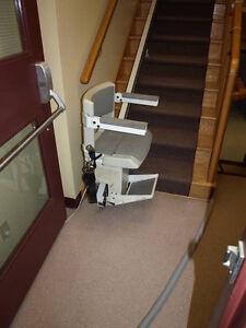Escalier sant besoins sp ciaux dans grand montr al for Chaise elevatrice