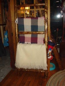 RUSTIC QUILT LADDER Cambridge Kitchener Area image 3