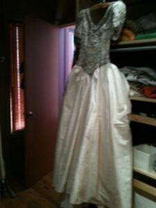 Wedding Dress size 6 (Orig. price $2000) Edmonton Edmonton Area image 2