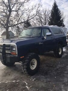 1990 dodge ramcharger.