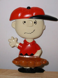 Great Catch Charlie Brown soap holder 1974 AVON - peanuts Windsor Region Ontario image 3