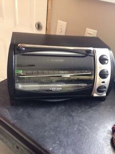 Black and decker 6 slice / 9 inch toaster over