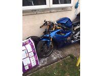 Breaking Triumph Daytona 675 2011