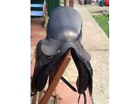 """COUNTRY COMPETITORS 18"""" ALL LEATHER NARROW FIT HORSE SADDLE BEAUTIFUL COND CB5 £60"""