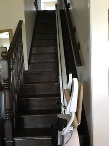 Savaria K2 Stairlift MINT CONDITION Oakville / Halton Region Toronto (GTA) image 2