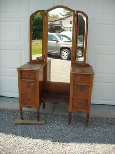 Vanity with Tri-Fold Mirrors & 6 Drawers, over 80 years old. Peterborough Peterborough Area image 7