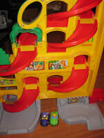 Course de voitures Fisher Price Little people