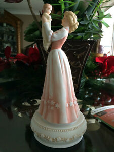 COLLECTABLE FIGURINE NEW PRICE $25.00